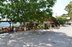 Ithomi Taverna