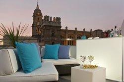 La Piscina Lounge