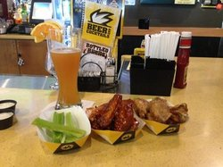 Buffalo Wild Wings Bar & Grill