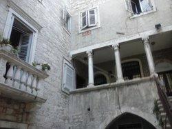 Palace Augubio