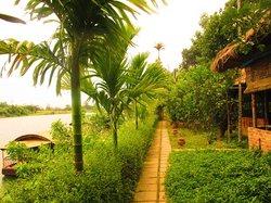 Công ty du thuyền cảm xúc sông Hương
