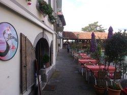 Thun Sottoriva Venexiana - pavement café