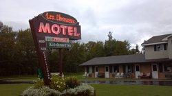 Les Cheneaux Motel
