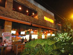 Hooters Medellin