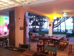 Madafoo's Beach Bar & Bistro
