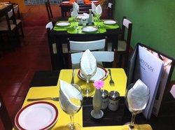 Mostaza Resto Tapas & Bar