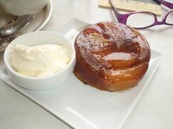 Tarte Tatin (Apple Pie with cream)