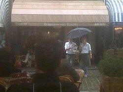 14/07/2012 ... courageous waiters at Brasserie Van Buuren !