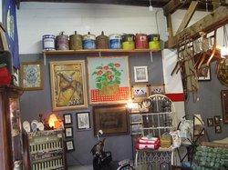 JD'S Gem Mining & Antiques