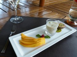 Yummy dessert - an example of the consistently excellent presentation