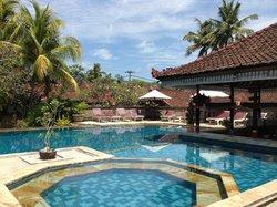 Lovina Beach Resort