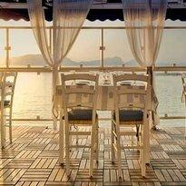 Poseidonia Café and Restaurant