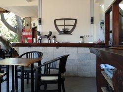 Santhi Bar