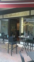 Estrade Bar and Restaurant