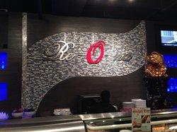 Re-O-Na Sushi and Thai Restaurant