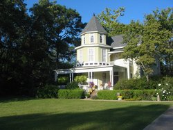 Garden Path Inn Bed & Breakfast