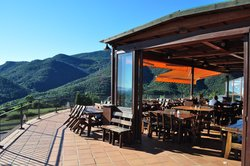 Restaurante y Alojamiento Can Mach