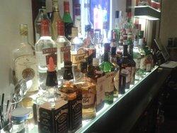Longi Bar