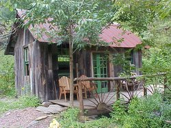 Standing Bear Farm / Hostel