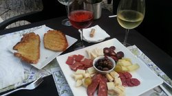 7imeio Wine Bar