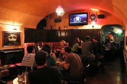Highlander Pub