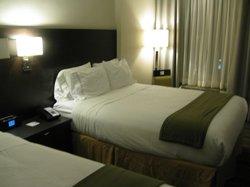 room, 2 queen size beds