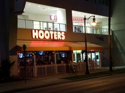 Hooters of Coral Way