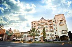 Hotel Maria Bonita Business Hotel & Suites
