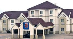 Chadron 6 號汽車旅館
