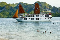 Halong Phoenix Cruiser Day Tour