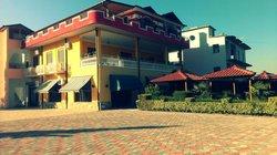 Kujtimi Hotel