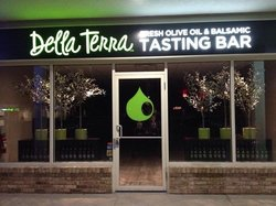 Della Terra Fresh Olive Oil & Balsamic Tasting Bar