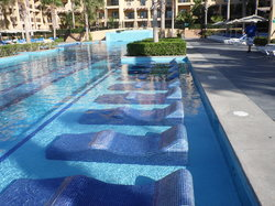 Lounger in Pool