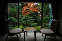 秋月の間、紅葉