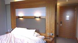 Aloft King room