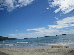 завораживающий пляж,но иногда бывает хмурым......