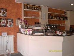 Andrew's Bar