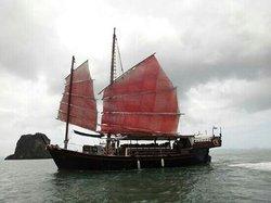 Phang Nga Bay Day Cruise on Ayodhaya - Private Tour