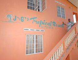 J&G's Tropical Apartments