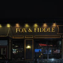 ‪Fox and Fiddle‬