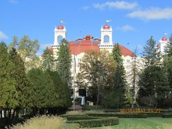 External View of West Baden Springs hotel