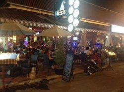 Danny's Bar Restaurant 44