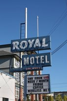 ‪Royal Motel‬