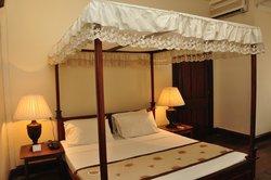 Queens Hotel Kandy