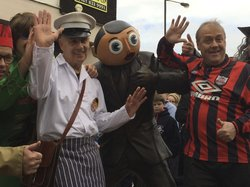 Frank Sidebottom Statue