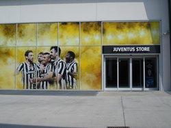 Area 12 Shopping Center