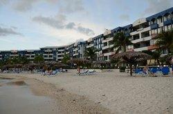 L'hôtel vu de la plage