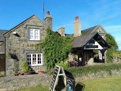 Y Bryncynan Inn