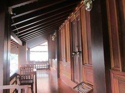 Lakhangthong Boutique Hotel