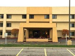 Quality Inn And Suites Detroit Warren Tech Center